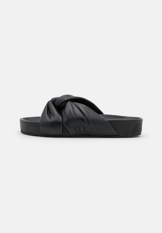 BREA PLATFORM  - Pantofle - black