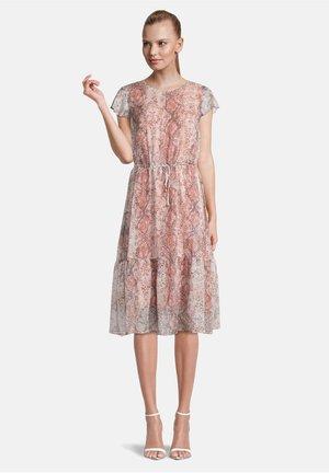 MIT VOLANT - Day dress - bunt
