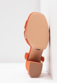 ONLY SHOES - Sandály na vysokém podpatku - orange - 6