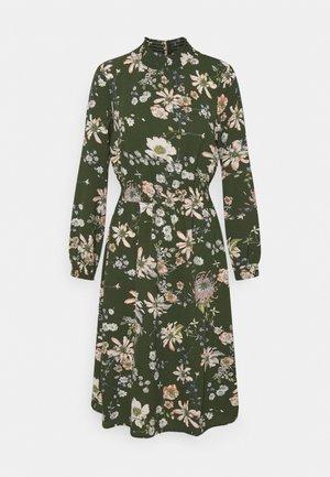 ONLNOVA LUX SMOCK DRESS - Korte jurk - ponderosa pine/green