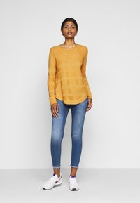 ONLY Petite - ONLCAVIAR - Jumper - golden yellow - 1