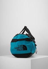 The North Face - BASE CAMP DUFFEL M UNISEX - Sports bag - fanfare green/black - 4