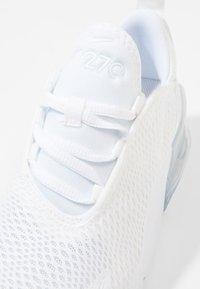 Nike Sportswear - AIR MAX 270 - Matalavartiset tennarit - white/mtlc silver - 2