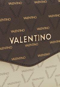 Valentino Bags - LITA - Skulderveske - cuoio/multicolor - 4