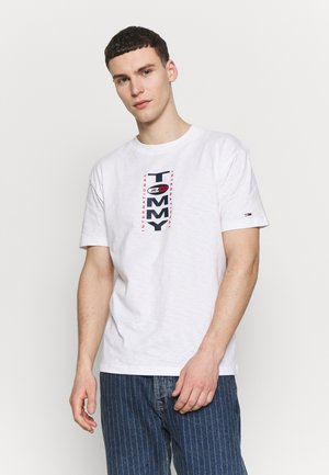 VERTICAL BACK LOGO TEE - Print T-shirt - white