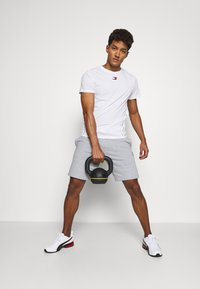 Tommy Hilfiger - SHORTS - Sports shorts - grey - 1