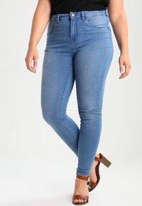 Zizzi - AMY LONG - Jeans Skinny - light blue - 0