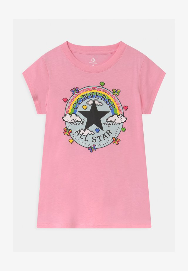 GAMER GIRL CHUCK PATCH - T-shirt med print - just pink