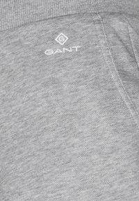 GANT - LOCK UP - Shorts - grey melange - 2