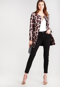 Liu Jo Jeans - BOTTOM UP DIVINE         - Trousers - nero - 2