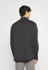 Wrangler - ALL TERRAIN GEAR ZIP - Long sleeved top - black - 2