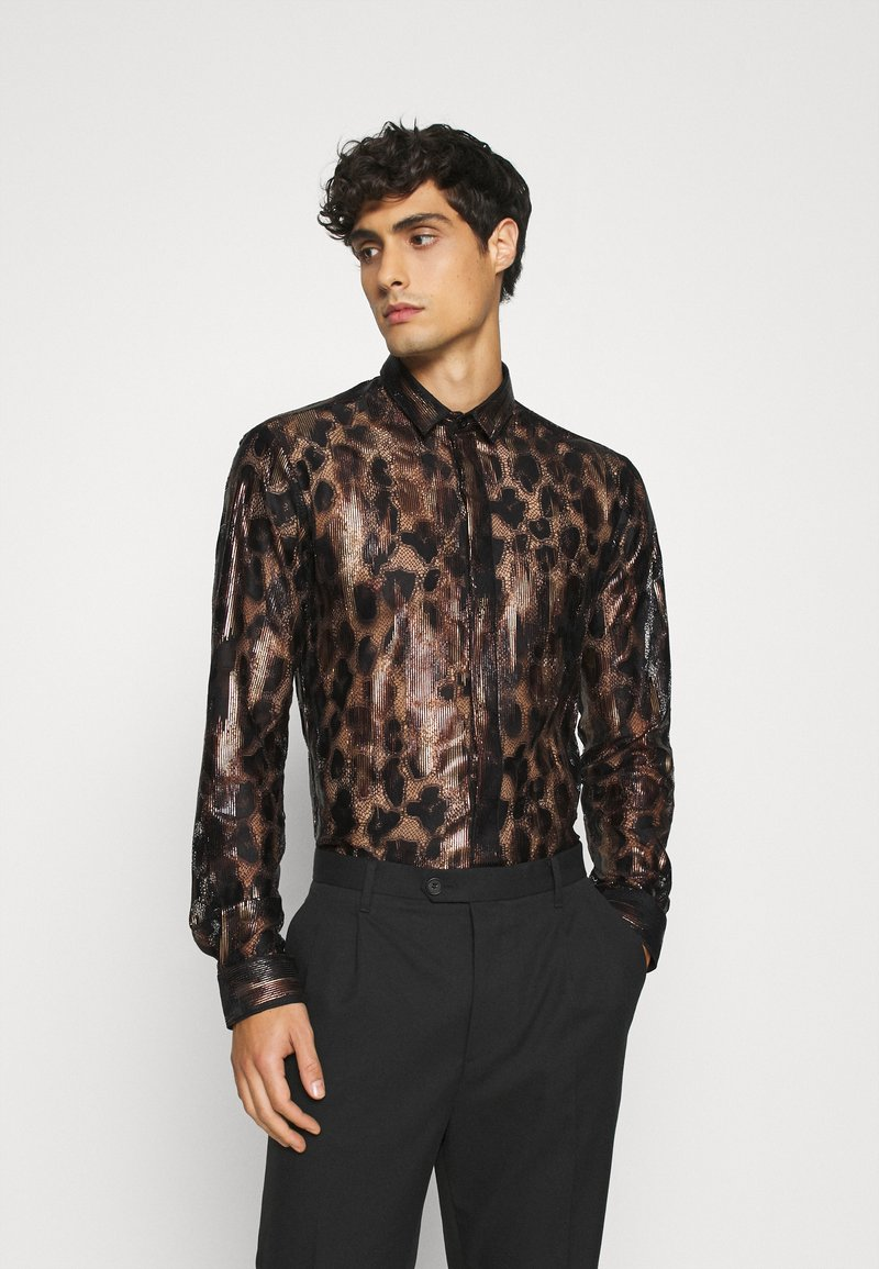 Twisted Tailor - JUNO SHIRT - Camisa - black/gold