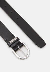 Calvin Klein - ROUND BELT - Pásek - black - 1