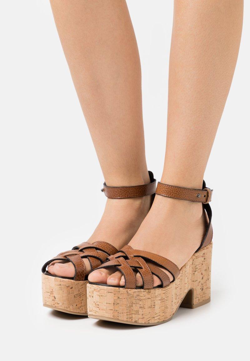 WEEKEND MaxMara - RITO - Platform sandals - kamel
