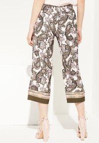 comma - Trousers - beige aop - 2