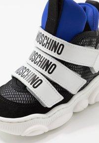 MOSCHINO - Sneaker high - black - 2