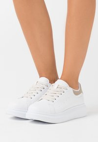 Nly by Nelly - CASUAL NEWNESS  - Joggesko - white/beige - 0