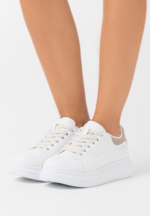 CASUAL NEWNESS  - Sneakers - white/beige