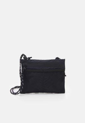 CROSS BODY BAG - Across body bag - black