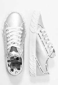 Love Moschino - Sneakers laag - argento