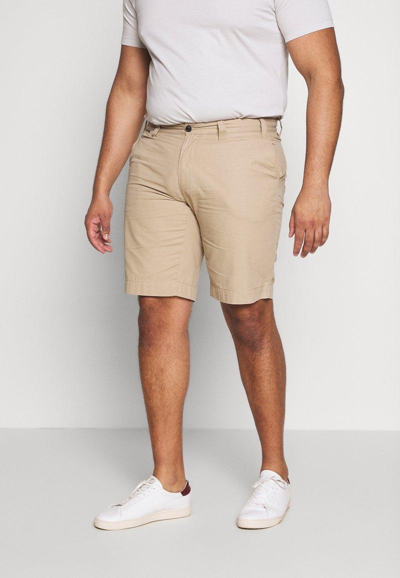Tommy Hilfiger - BROOKLYN LIGHT  - Shorts - beige