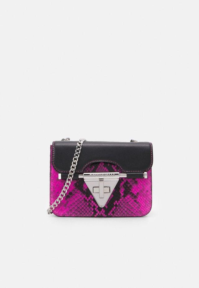 Borsa a tracolla - beetroot purple/black