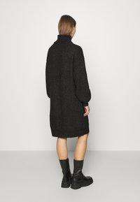 Noisy May - NMROBINA HIGH NECK DRESS - Strikket kjole - dark grey melange - 2