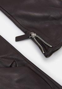 Royal RepubliQ - GROUND GLOVES TOUCH - Gloves - brown - 2