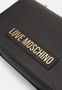 Love Moschino - BORSA SMOOTH SCURO - Handtas - black - 5