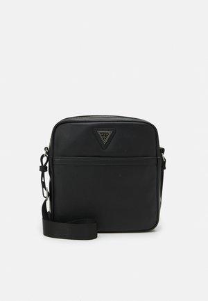 CERTOSA SMART CROSSBODY FLAT - Across body bag - black