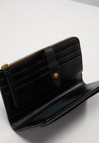 Fossil - FIONA - Wallet - black - 4