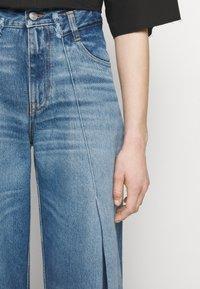 MM6 Maison Margiela - Široké džíny - blue denim - 4