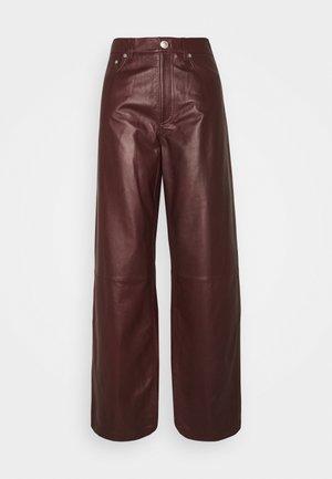 SUPER WIDE LEG PANT - Pantaloni di pelle - brownstone