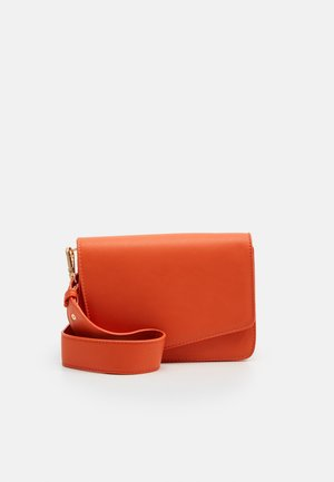 PCDILISH CROSS BODY KEY - Skulderveske - orange ochre
