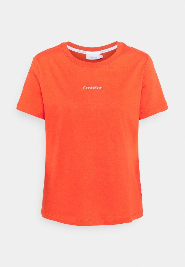 REGULAR MINI TEE - Basic T-shirt - fiesta