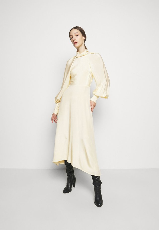 DRAPED SLEEVE DRESS - Vestido largo - cream