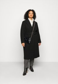 Dorothy Perkins Curve - CURVE BELTED WRAP COAT - Abrigo - black - 1