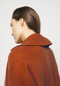 Proenza Schouler White Label - DOUBLEFACE COAT WITH SIDE SLITS - Zimní kabát - chestnut - 4