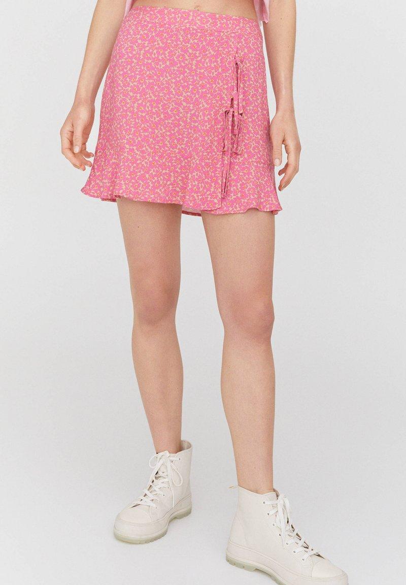 PULL&BEAR - Áčková sukně - rose