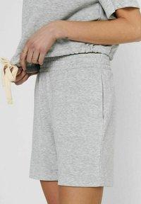 ONLY - Tracksuit bottoms - light grey melange - 3