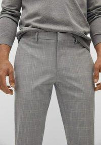 Mango - Chino kalhoty - mittelgrau - 3