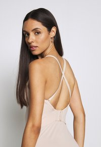 Maidenform - FIRM FOUNDATIONS LOW BACK COOL COMFORT ANTI STATIC - Body - nude - 4
