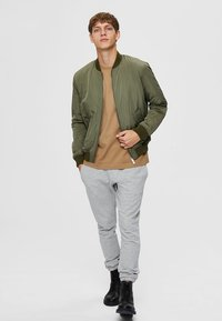 Selected Homme - Bombertakki - dusty olive - 1