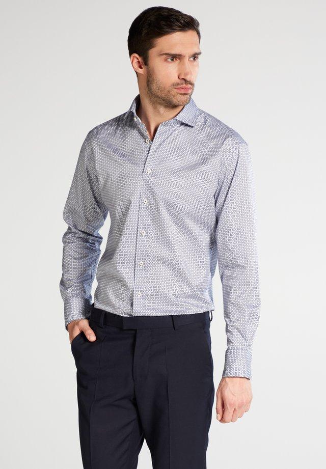 MODERN FIT - Overhemd - navy/white