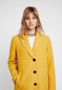 comma casual identity - Classic coat - yellow - 3