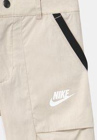 Nike Sportswear - Shorts - desert sand - 2