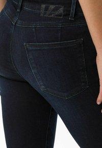 BRAX - STYLE ANA - Jeans Skinny Fit - used blue black - 4