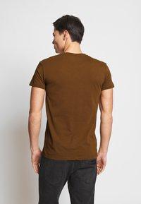 Samsøe Samsøe - KRONOS  - Basic T-shirt - brown - 2