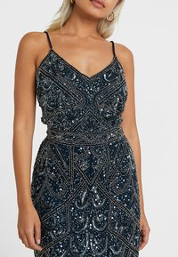 SISTA GLAM PETITE - FLORY - Gallakjole - navy - 4