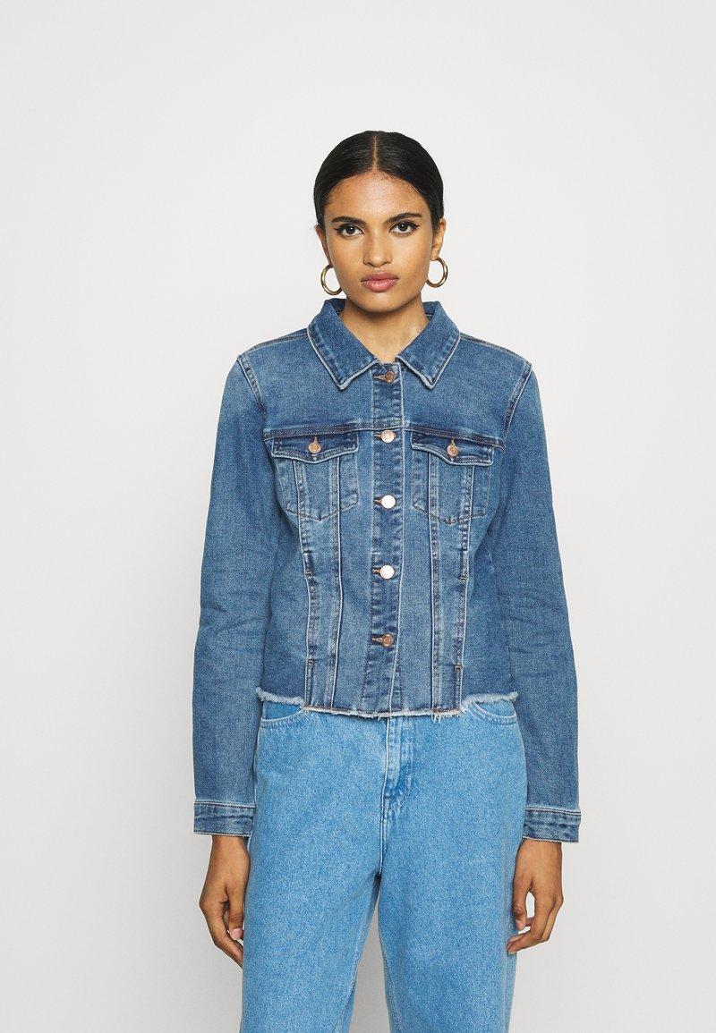 Vero Moda - VMFAITH JACKET  - Denim jacket - medium blue denim